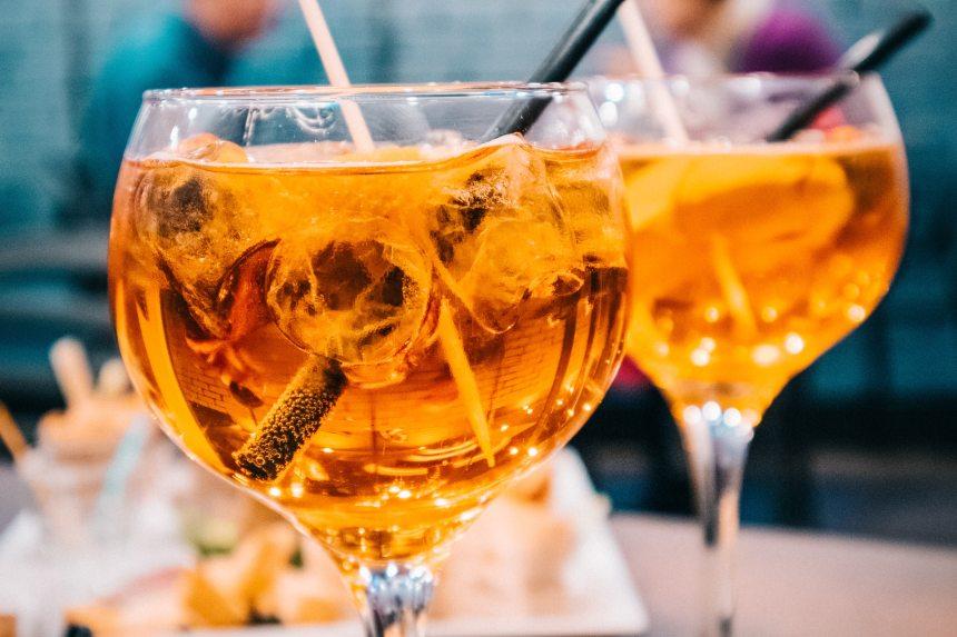 alcohol-bar-beverage-989699