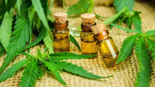 Cannabis-Oil-Health-Benefits-640x360