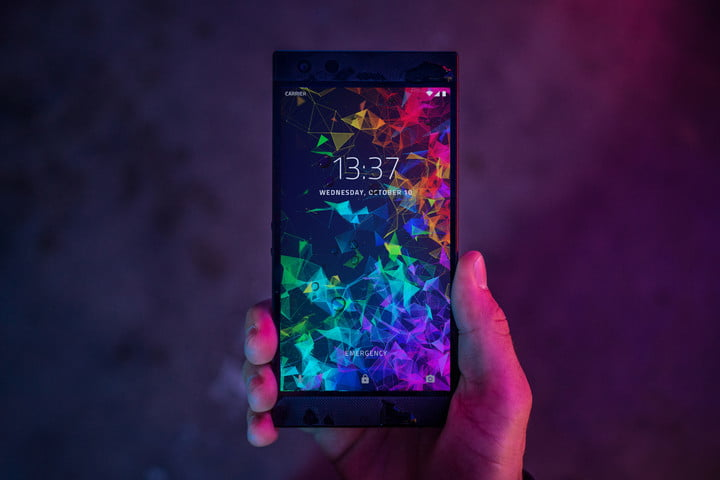 phone-2-2018-lifestyle-shoot2-7-720x720